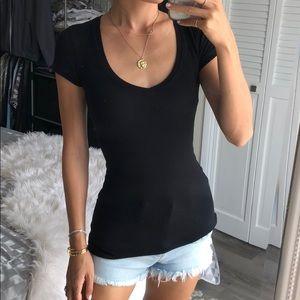 BCBGmaxazria Black v neck tee shirt XXS